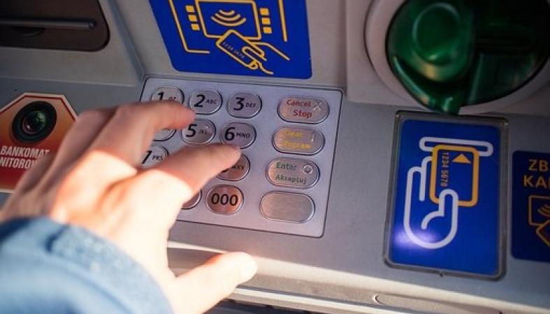 Петрозаводчанин оформил кредит ради мошенников, но деньги отдал не все