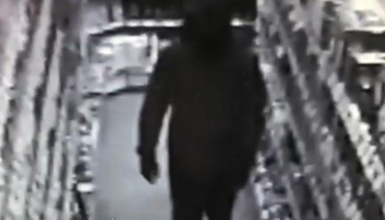 Полиция разыскивает мужчину, подозреваемого в разбойном нападении
